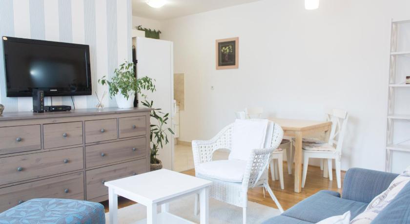 Stan Na Dan Apartman Vuk Apartment Novi Sad Deals