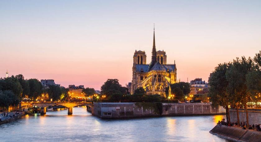 Best time to travel Paris OUR LADY CATHEDRAL - PARIS 4TH - ISLAND ST LOUIS