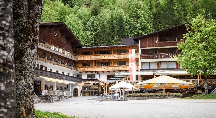 Best time to travel North Tyrol Alpengasthof & Alpencafé Eng