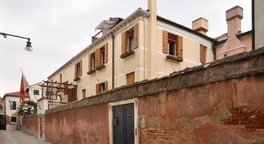 Best time to travel Venice Sestiere di Santa Croce Apartment Sleeps 5 Air Con
