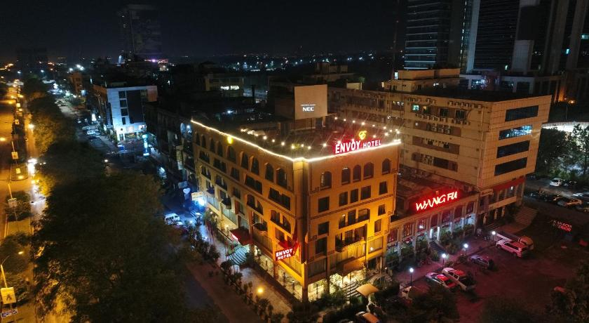 Best time to travel Islamabad Envoy Continental Hotel