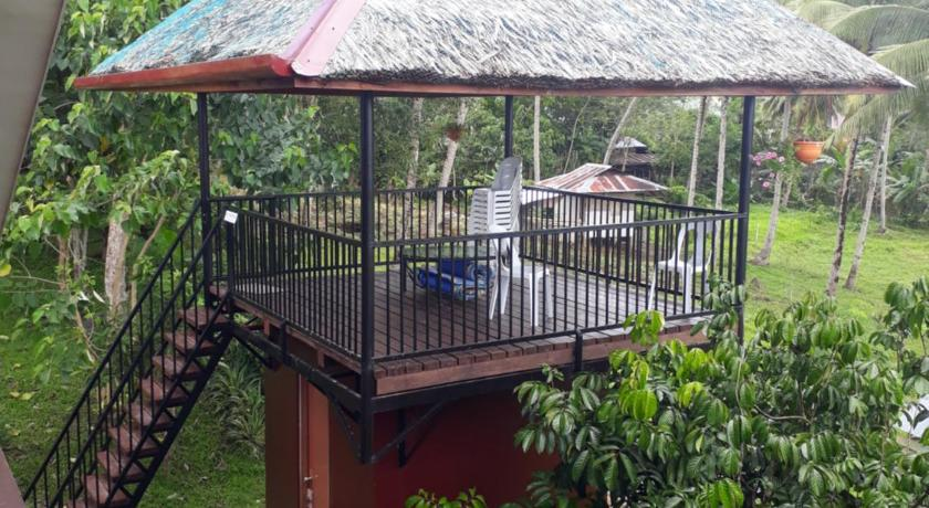 Budget Double Room Villa del Carmen Haven Bohol