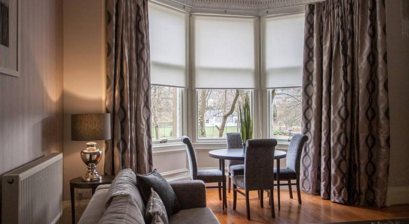 Best time to travel Glasgow Stunning 1 Bedroom Apartment Beside Queens Park