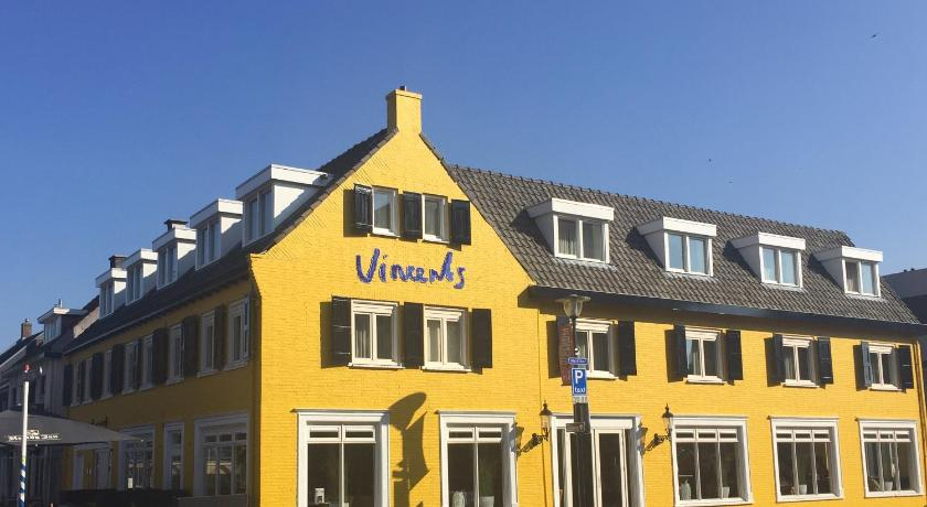 Best time to travel Breda Vincents