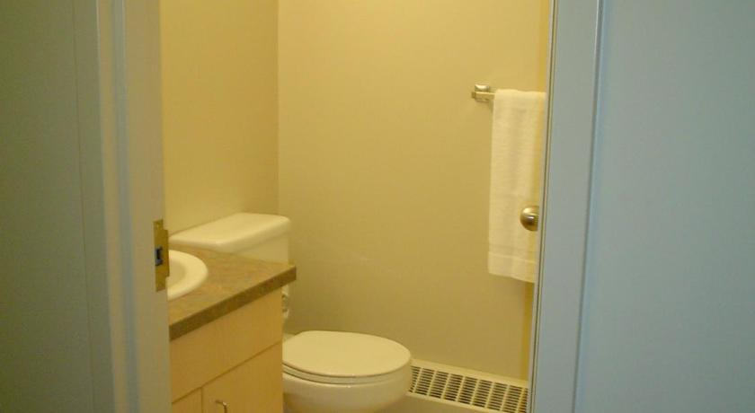 Single Bed in Dormitory Room with Private Bathroom  University of Alberta - Accommodation
