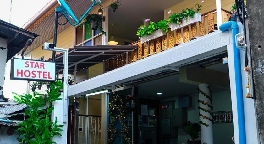 Best time to travel Bangkok Star Hostel Toksilp