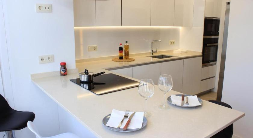 Best time to travel Ciudad Lineal Luxury apartment goya - 8 pax