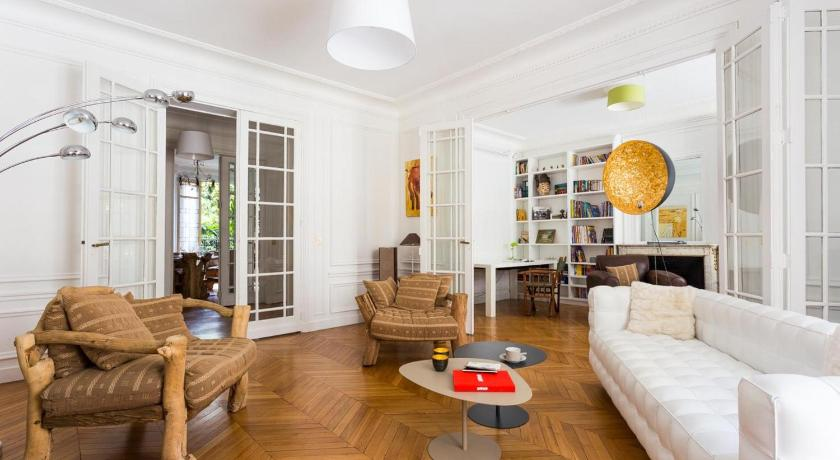 Rue Petrarque by Onefinestay
