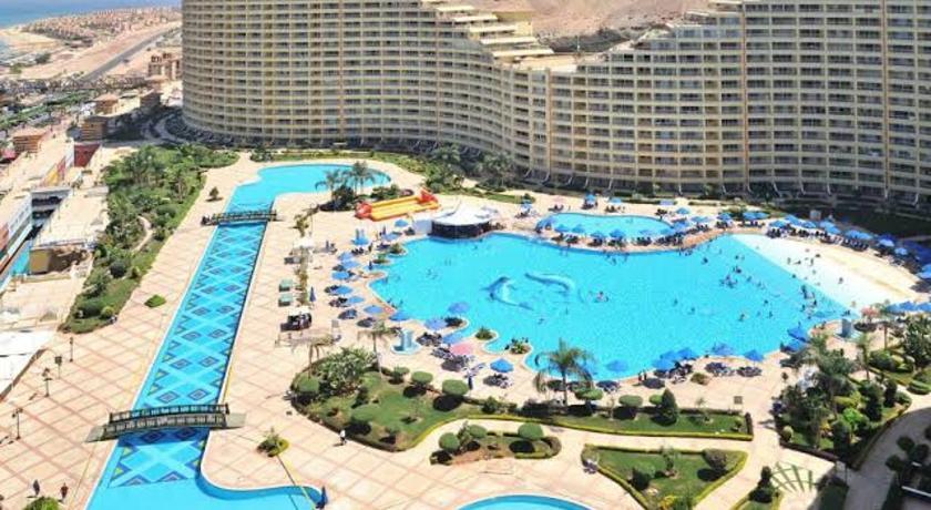 Best time to travel Egypt شاليه بورتو السخنة