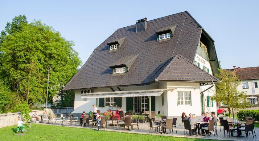 Best time to travel Slovenia Vila Monet