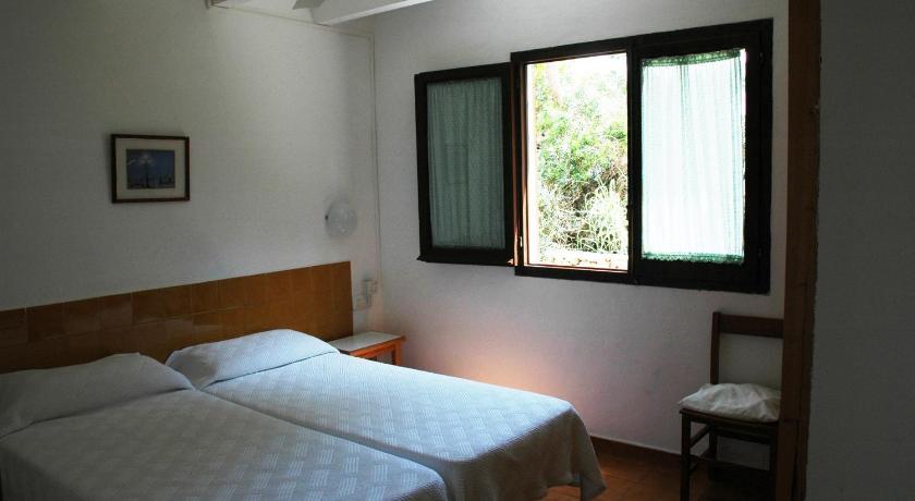 Best time to travel Menorca Apartamentos Sa Cala