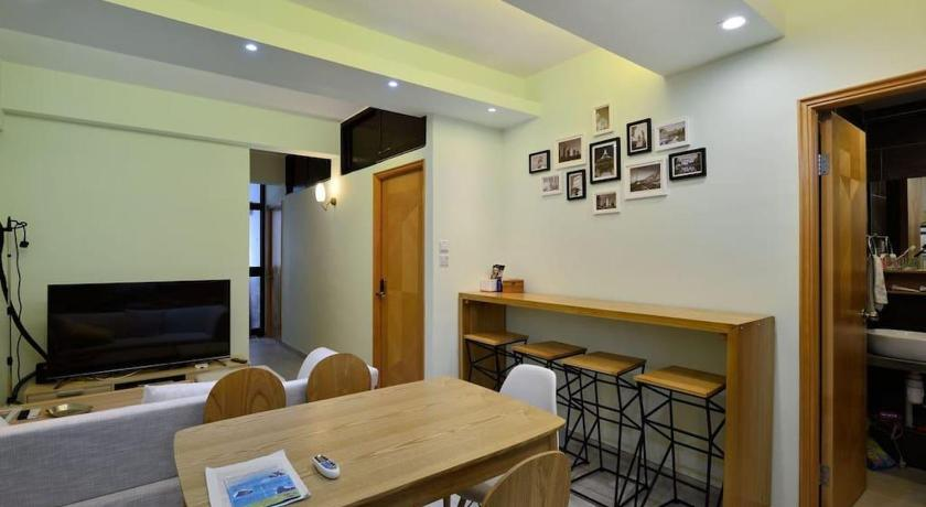 Best time to travel Kowloon Spacious 3 rooms 2 bathrooms apartment