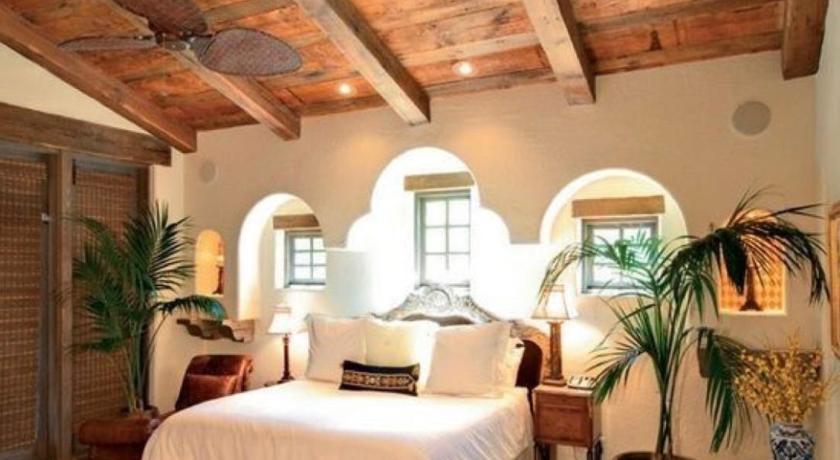 Millenium Hostels Manuel Antonio in Quepos - Room Deals, Photos ...