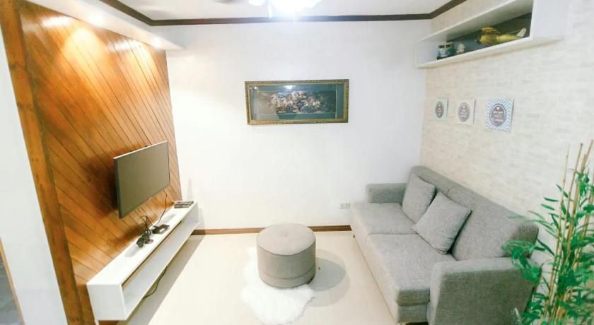 Xl S Space At Urban Deca Homes Prices Photos Reviews