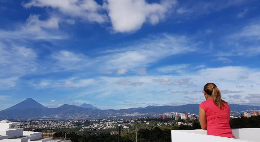 Best time to travel Santa Catarina Pinula Casa Barrios, vista la ciudad, a 25min de Z.10