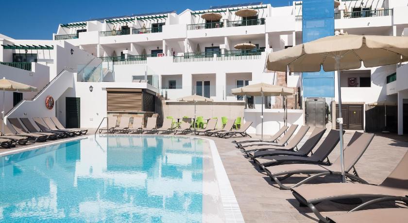 Best time to travel Spain Apartamentos Villa Canaima