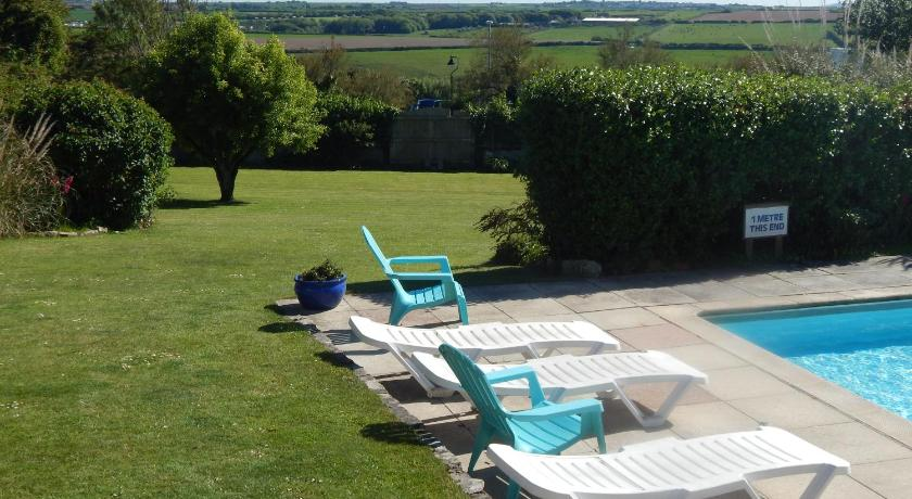 Best Price on Gratton Lodge in Newquay + Reviews!
