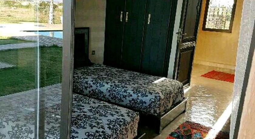 Best time to travel Morocco Villa marrakech rout d'ourika aqoua fun