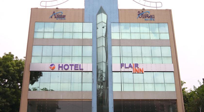 Hotel Flair Inn Giá cả, hình ảnh, đánh giá, địa chỉ  Ấn Độ