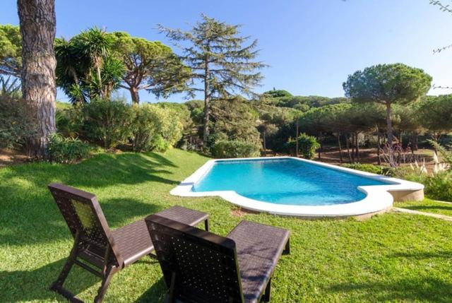 Best time to travel Spain Sant Vicenc de Montalt Villa Sleeps 10 Pool WiFi