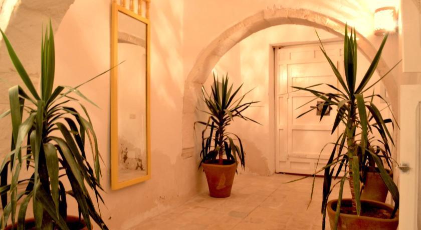 Best time to travel Tunisia Dar el Henna