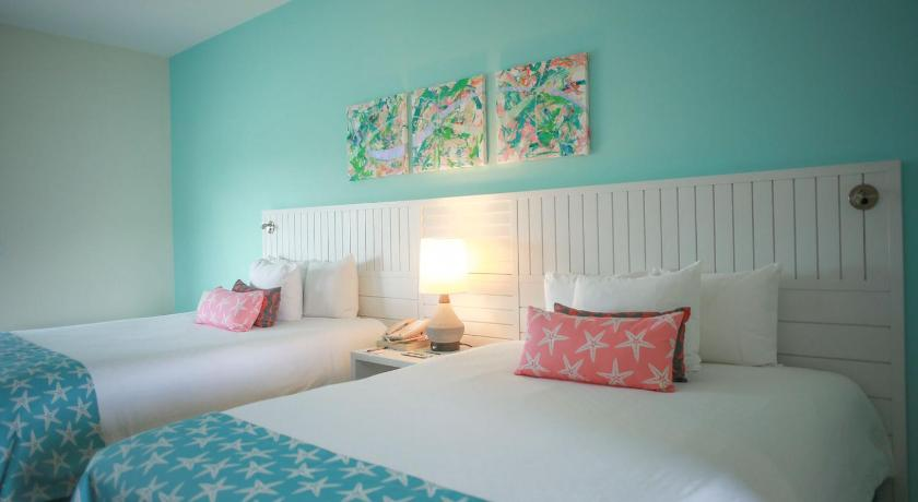 Best time to travel Lucaya Pelican Bay Hotel