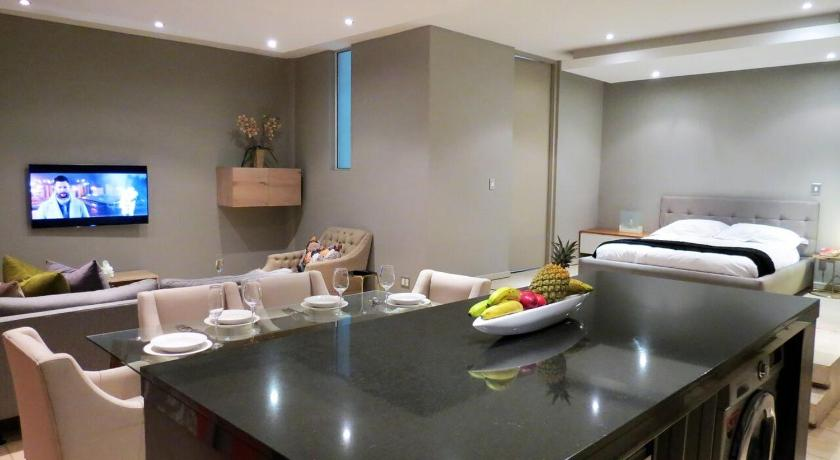 Best time to travel Johannesburg 1506:THE FRANKLIN LUXURY PENTHOUSES