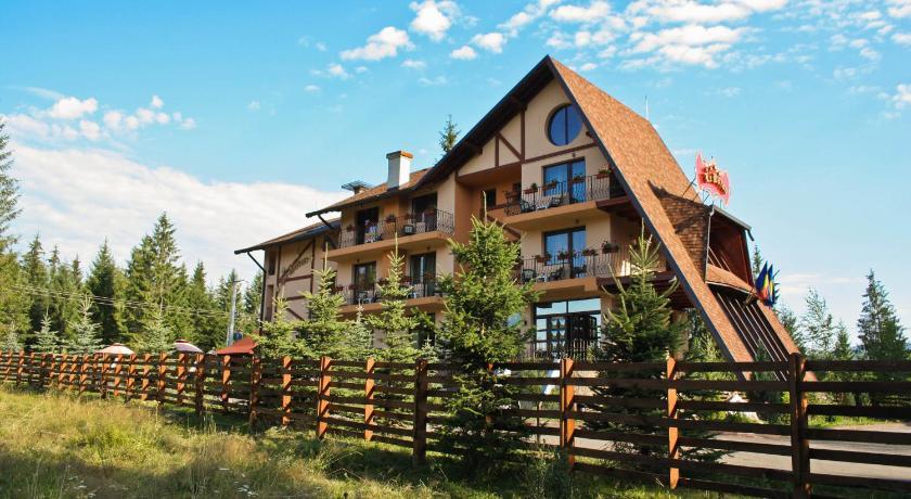 Best time to travel Romania Complex Turistic Le Baron