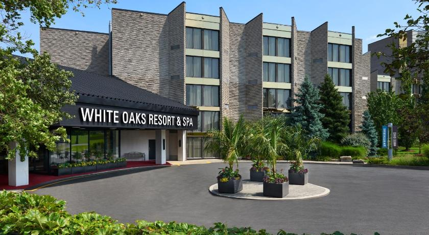 Best time to travel Brampton White Oaks Conference & Resort Spa