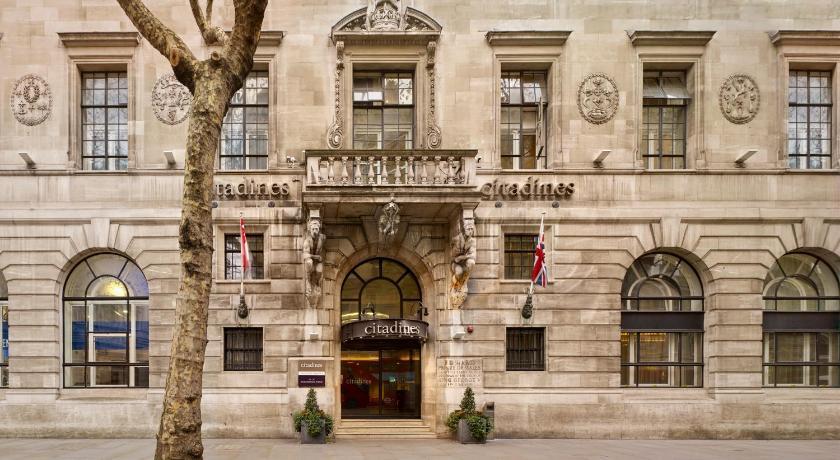 Best time to travel London Citadines Trafalgar Square