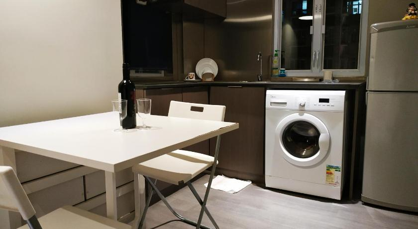 Best time to travel Kowloon 6TS9A-Dan's serviced apartment