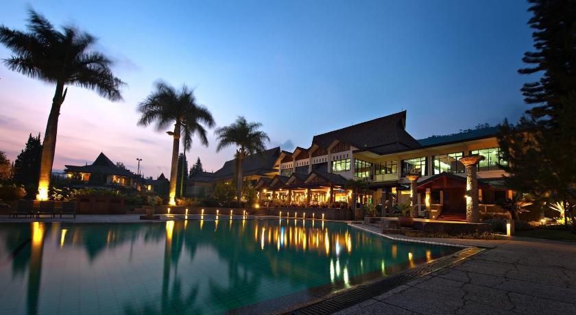 Best time to travel Indonesia Puteri Gunung Hotel