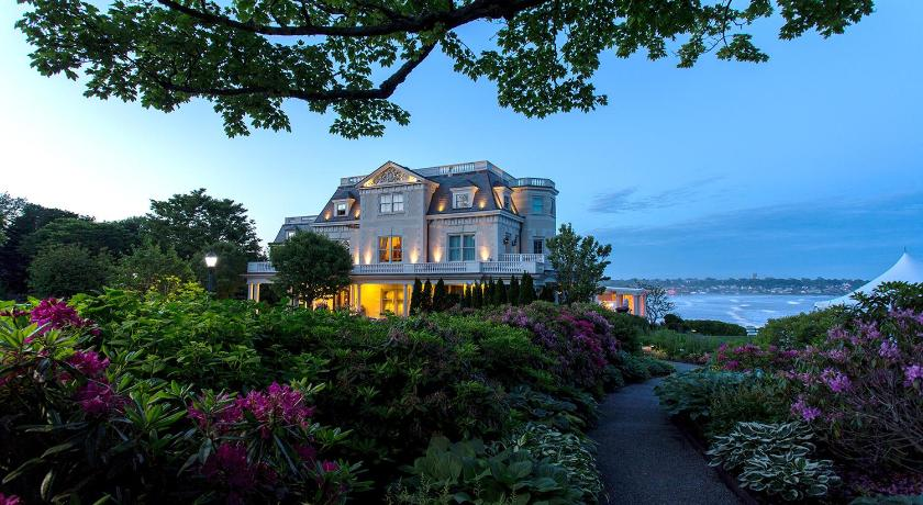 Best time to travel United States The Chanler at Cliff Walk