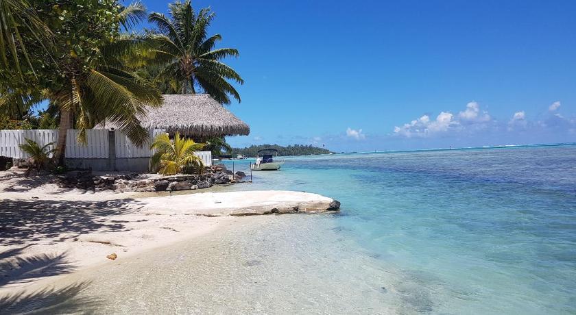 Villa Kahaia Beach By Tahiti Homes In Moorea Island Room