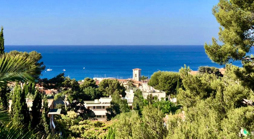 The Address Cassis Guesthouse Bed And Breakfast Deals Photos