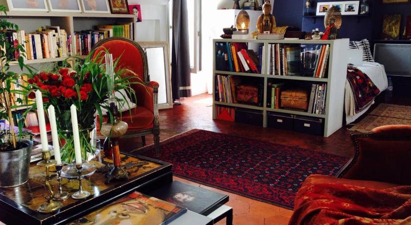 Loft De Charme Sous Les Toits Paris France Photos Room Rates