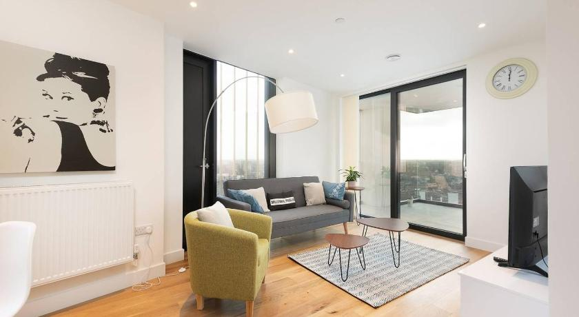 Modern 2BR Apartment near London Bridge by GuestReady in United Kingdom -  Room Deals, Photos & Reviews