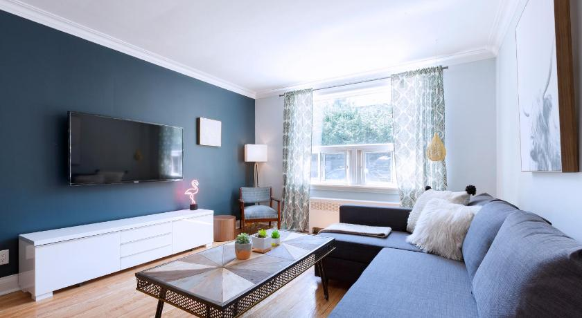 Best time to travel Toronto Gorgeous & Bright 4-Bedroom in Forest Hill