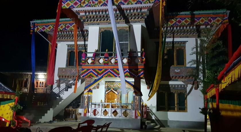 Karmaling Apartment