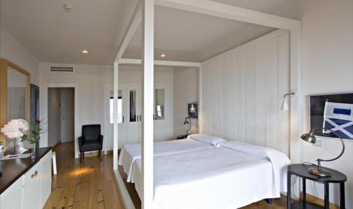 Hotel Trias 12