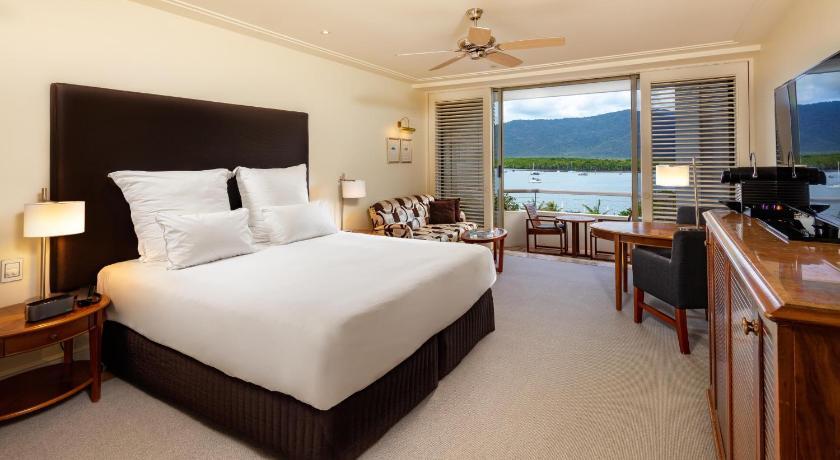 Cairns Pullman Casino Hotel