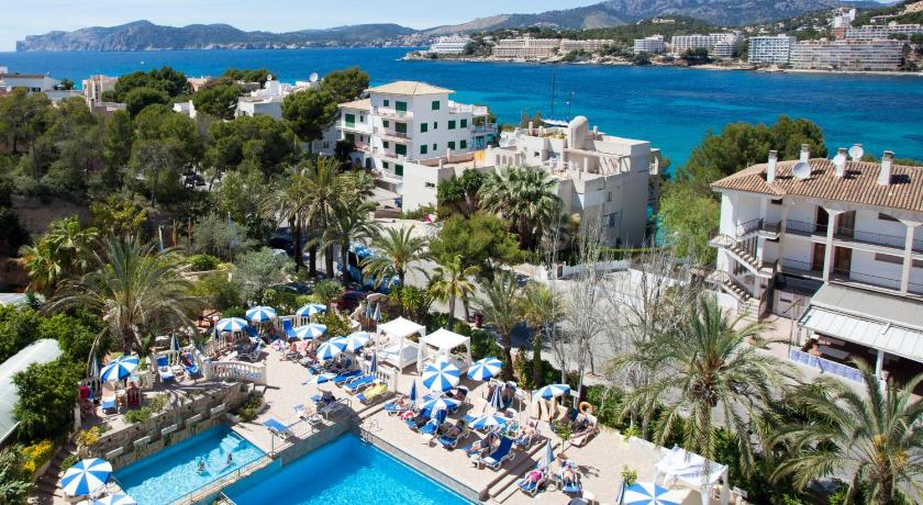 Best time to travel Spain Hotel Bahia del Sol
