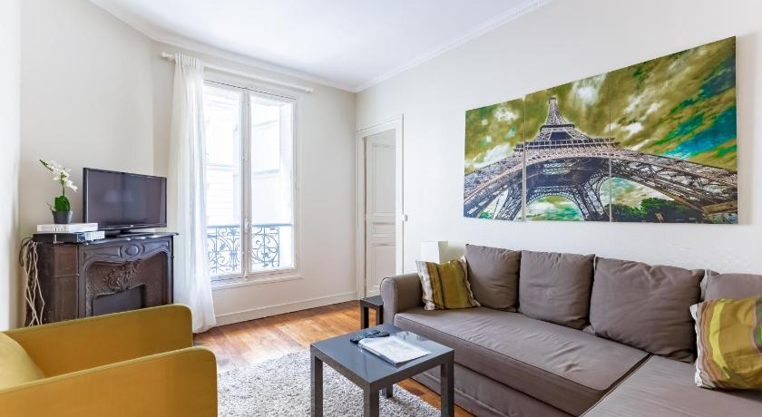 Apartment close Bastille by Weekome