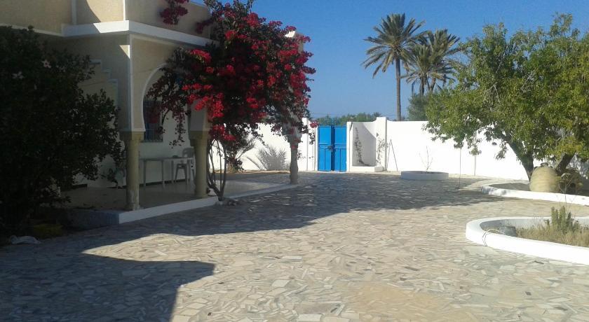 Best time to travel Tunisia spacieuse villa