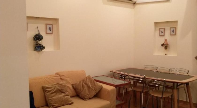 31 Tumanyan st, in the center of Yerevan, 2 bedroom apartment