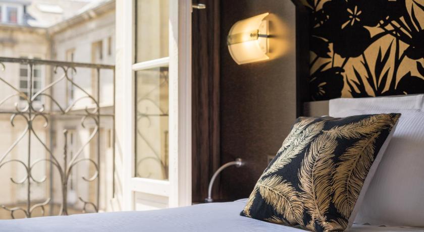 Hotel Voltaire Opera Nantes Centre, France - Photos, Room ...