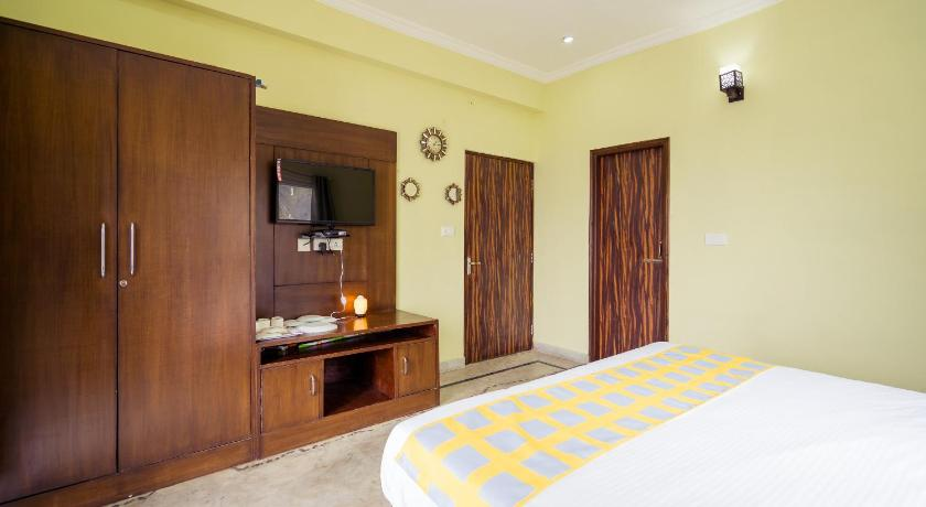 Best Price On Valley View 1rk Studio Picture Palace Mussoorie In Mussoorie Reviews