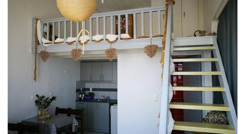 Kikilia S Cozy Apartments Sea View Entire Apartment Milos Island Deals Photos Reviews