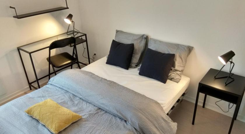 Apartament z 2 sypialniami Chic apart in Paris (parking + terrace)
