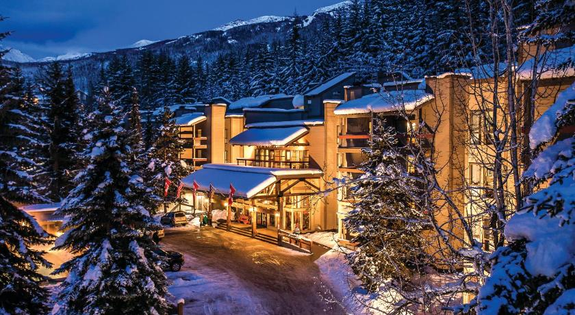 Best time to travel Canada Tantalus Resort Lodge